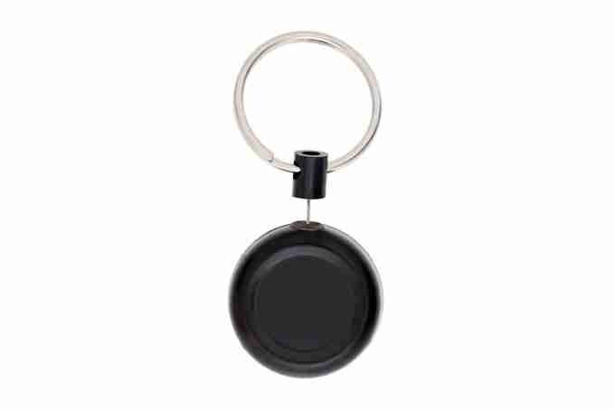 RETRIVER SMALL WITH PIN BLACK PLASTIC KEY RING ACCESSORY 13434.tag.2.jpg